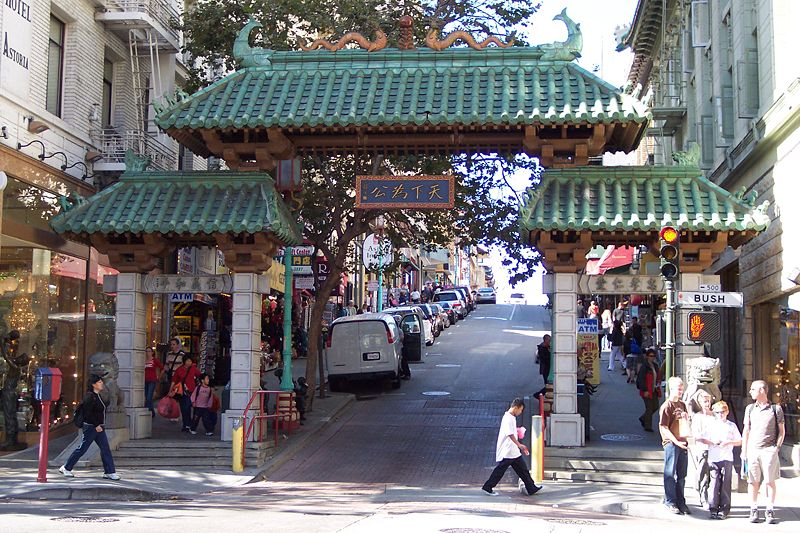 800px-Tor_Chinatown_San_Francisco